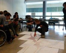 lors des réunions CRM, on étudie les plans des futurs projets pour vérifier l'accessibilité pour les PMR
